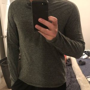 Lululemon - Henly long sleeve.